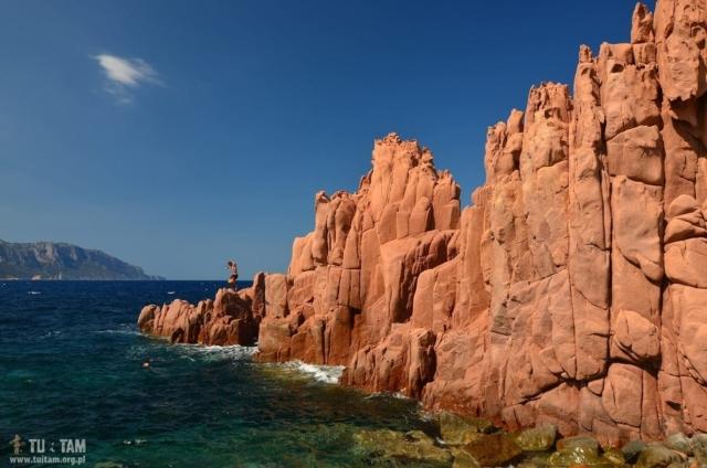 Sardynia Arbatax, czerwone skały
