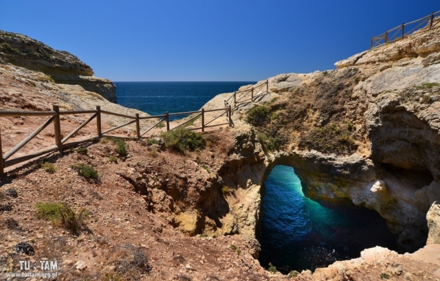 Algarve Marinha Natural arch
