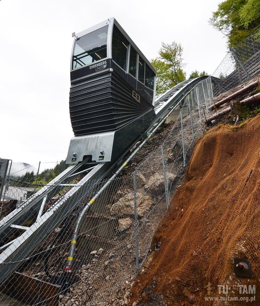 Highline 179 - wyjazd kolejką do góry