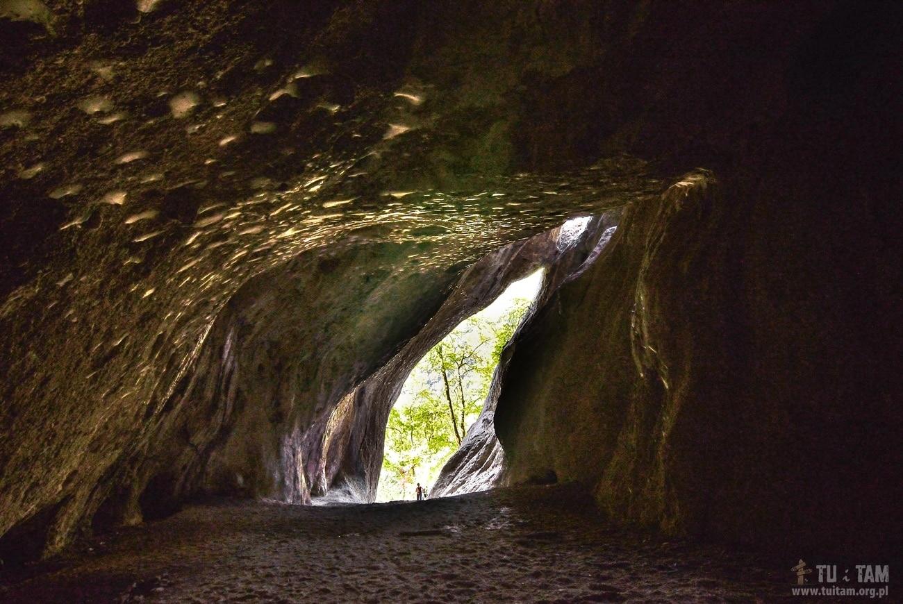 Sulovskie skały - jaskinia