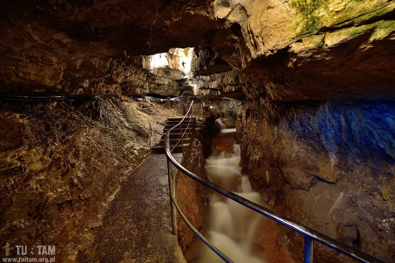 St. Beatus jaskinia